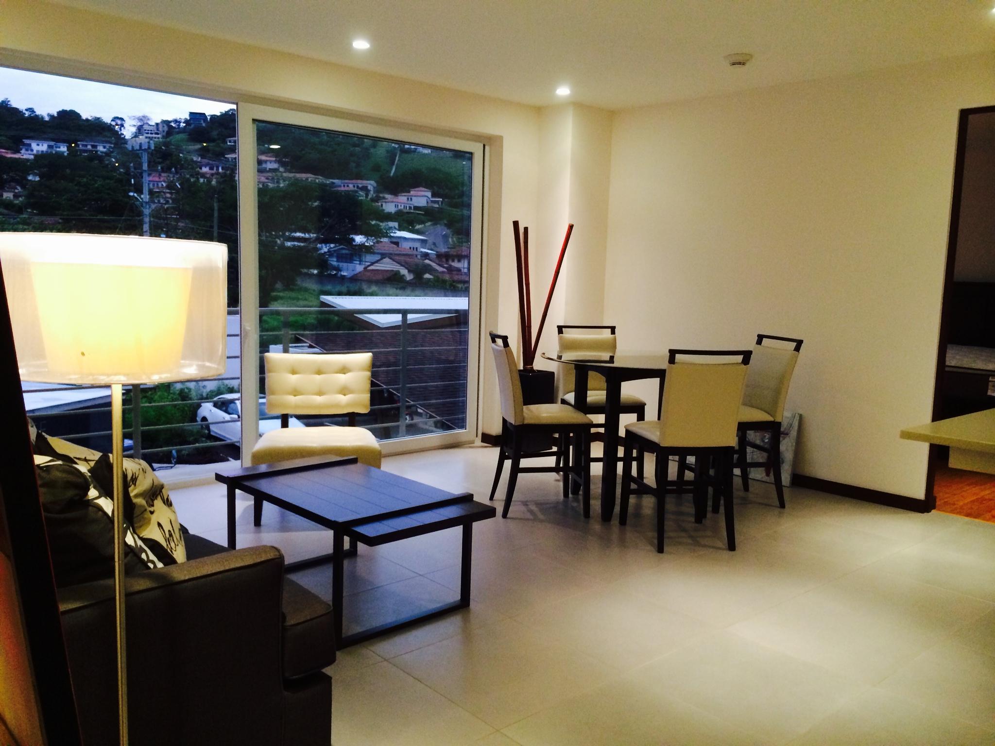 Distrito 4 apartment of 2 bed, 2 bath