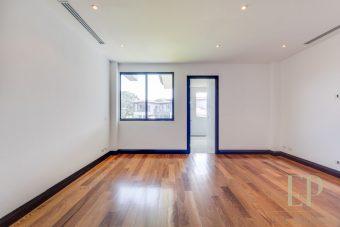 New independent home for sale La Hacienda