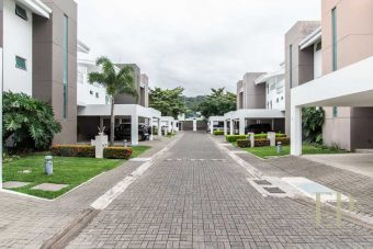 Three floor contemporary home in condominium Santa Ana