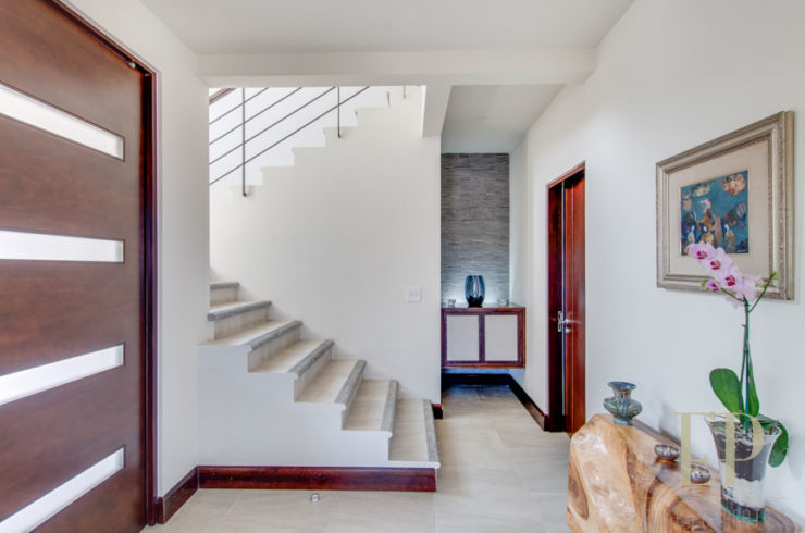 Contemporary two story home in condominium Lomas del valle, Santa Ana