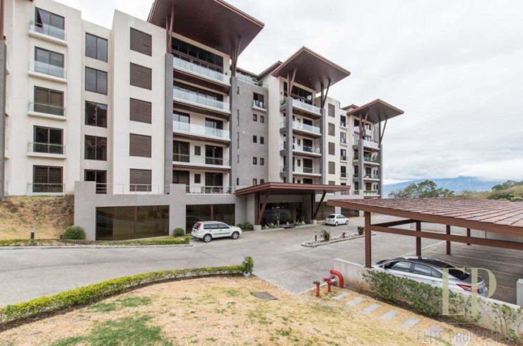 Exclusive condominium with gorgeous mountain views in Escazu, near La Paco.