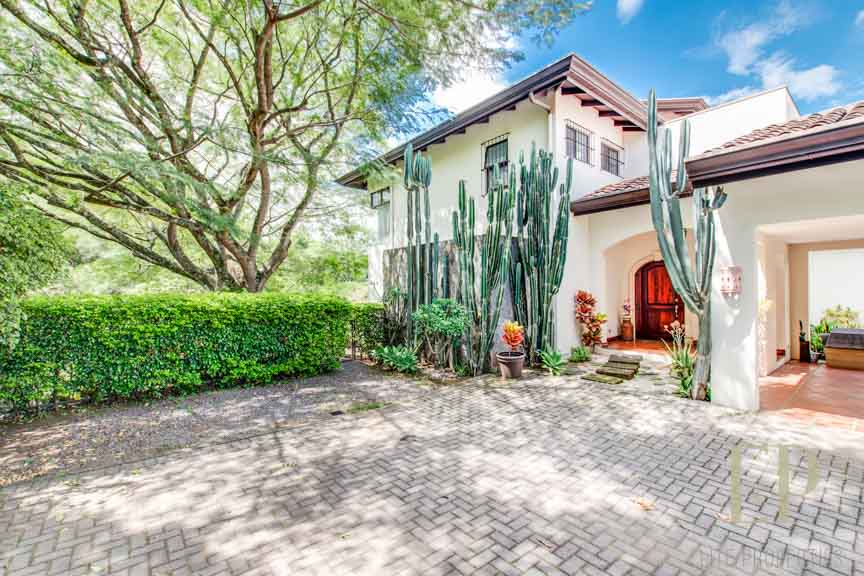 Home for sale Guachipelin Escazu.
