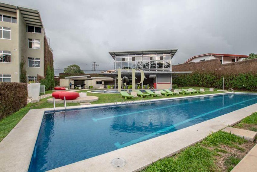 Fantastic apartment in Riverpark Santa Ana