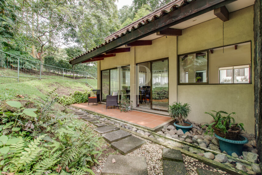 One level home for sale Escazu Guachipelin