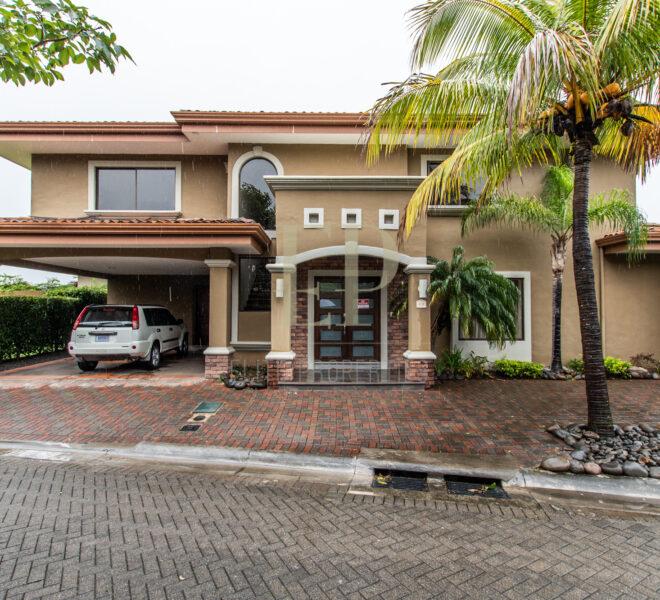 For sale Home in Hacienda Del Sol Santa Ana