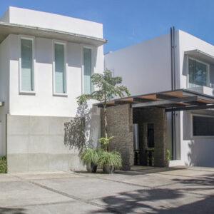 contemporary home in San Rafael de Escazú, Costa Rica